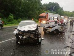 Неподалік села Хмільницького району сталася ДТП: один загиблий, двоє госпіталізовані