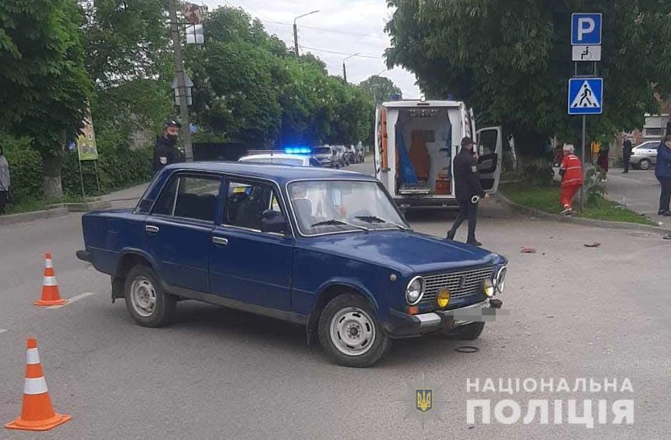 Внаслідок аварії у Хмільнику постраждав 18-річний водій