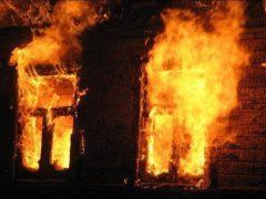Одна людина загинула, друга – в реанімації: в Хмільницькому районі горів житловий будинок