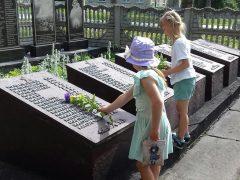 Пам'ять жертв війни вшанували на Хмільниччині