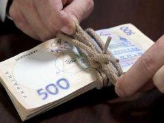 Колишнього начальника поштового відділення Хмільницького району підозрюють у розтраті коштів