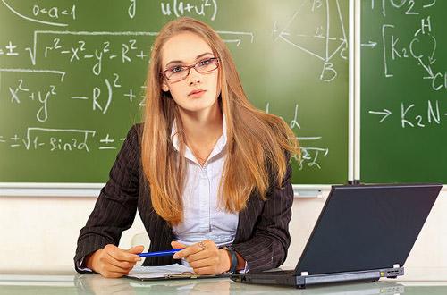"""""""Ноутбук кожному вчителю"""": для шкіл області закуплять техніку майже на 40 мільйонів гривень"""