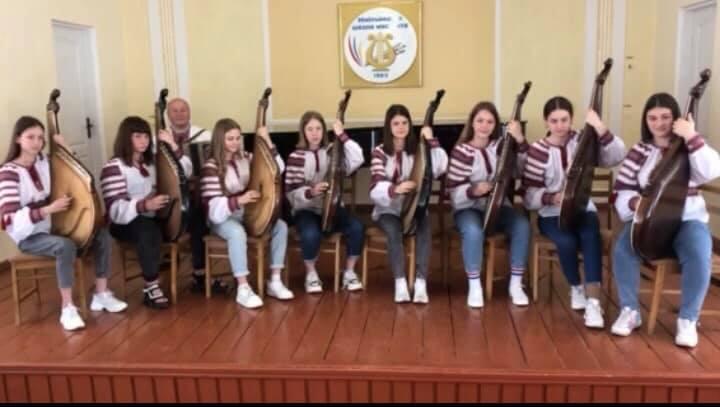 Перемогу у Всеукраїнському конкурсі хмільницькі бандуристки присвятили 30-й річниці Незалежності України