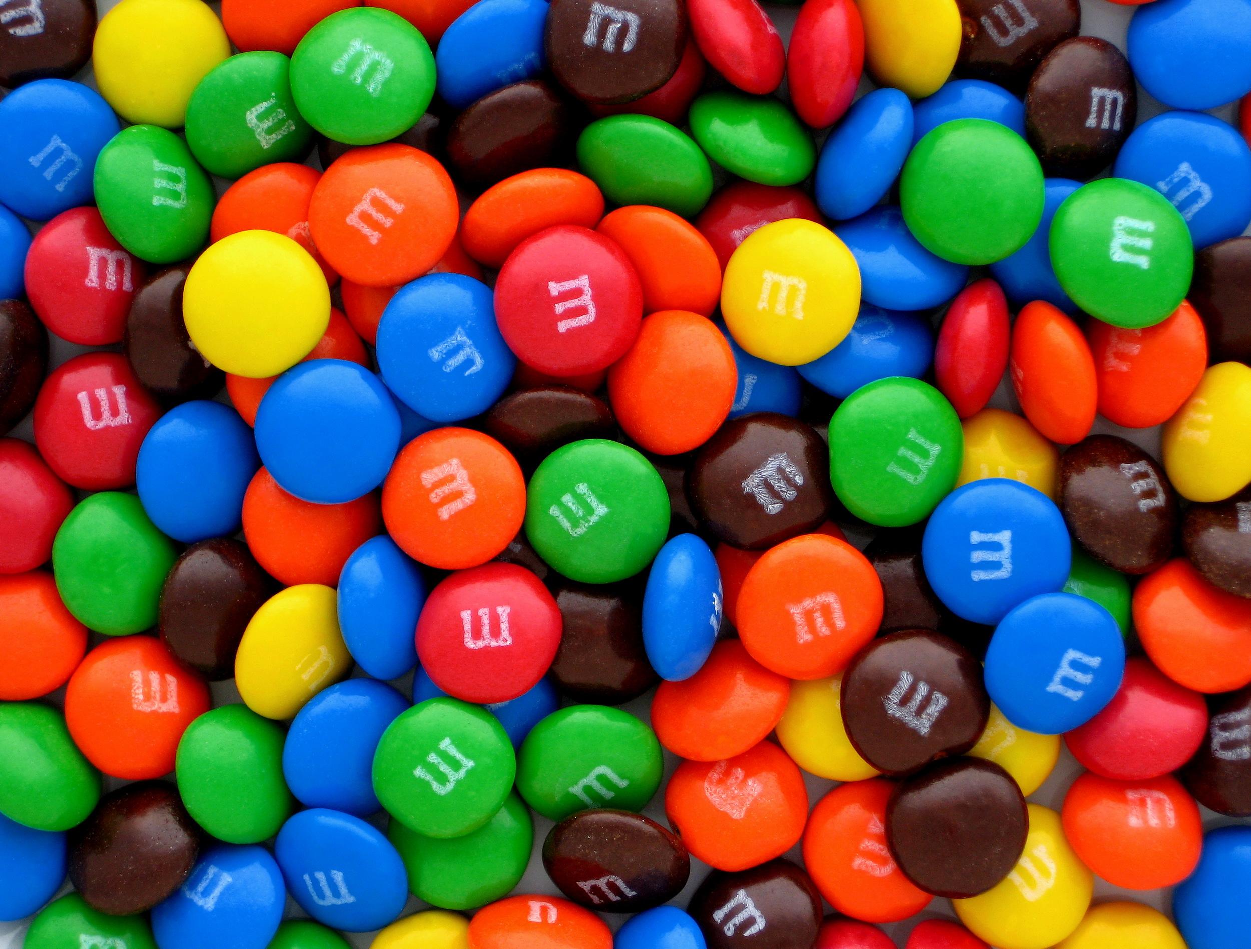 Хмільничани, обережно! В Україну завезли популярні цукерки з забороненою речовиною
