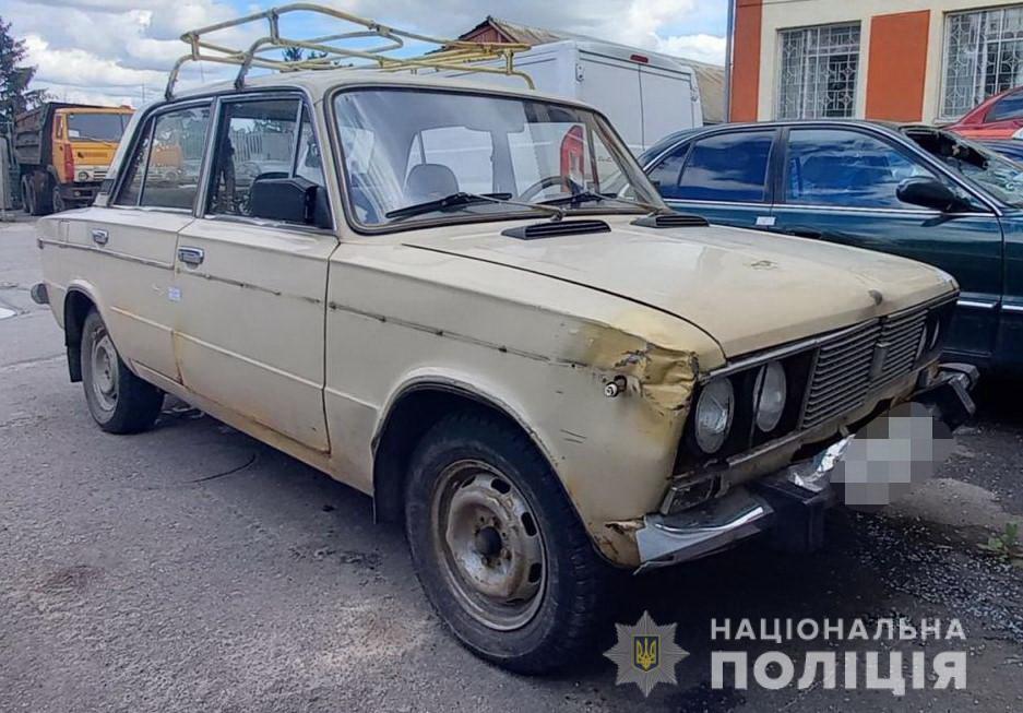 Кримінал по-калинівськи: побили свого товариша й вивезли в ліс у багажнику його ж машини