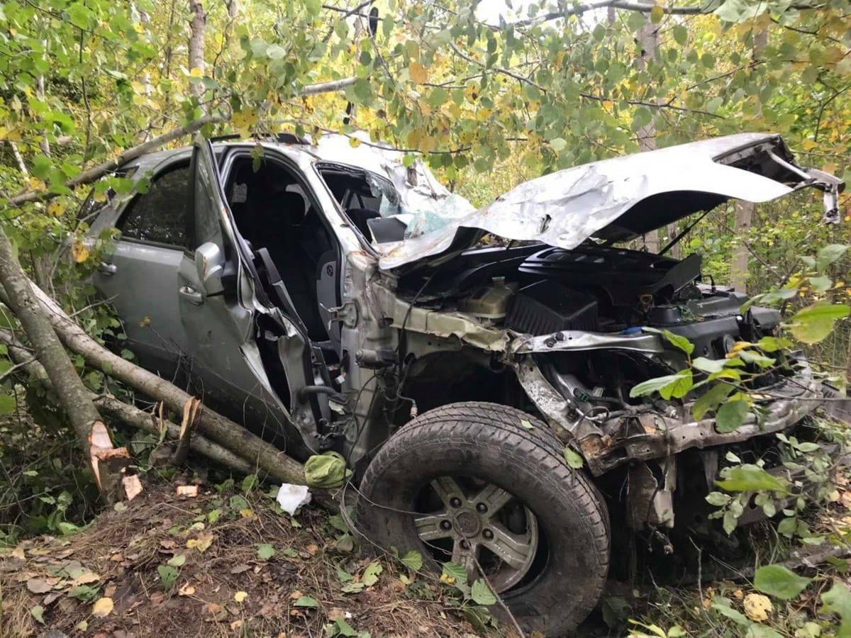 Рятувальники звільнили заблокованого пасажира з автівки, яка з'їхала в кювет