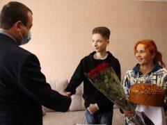 На 15-річчя сину загиблого учасника АТО подарували квартиру