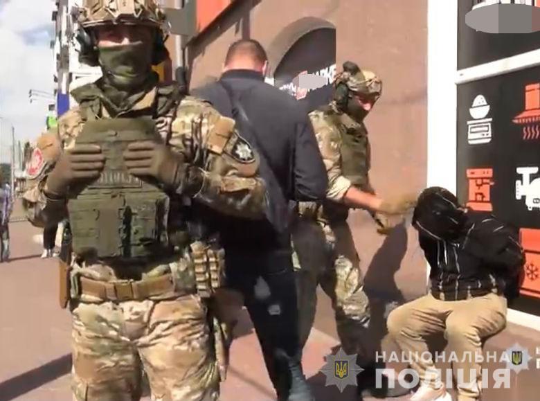 Поліціянти затримали жителя Хмільницького району, який торгував метадоном