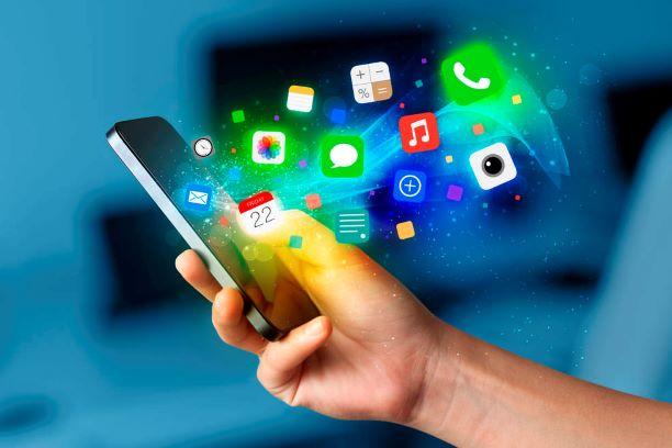 У Facebook, Instagram та WhatsApp стався масштабний збій